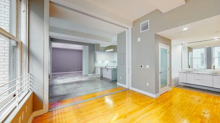 Suite-702-2-Bedroom-04302020_123927