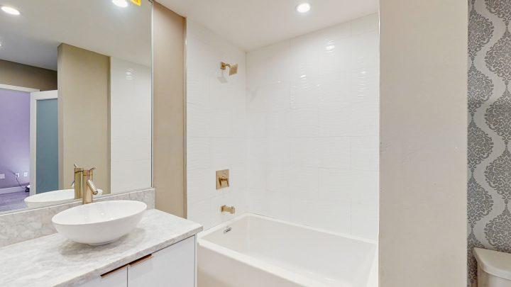 Suite-702-2-Bedroom-04302020_124152