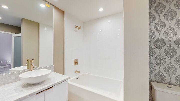 Suite-702-2-Bedroom-04302020_124201