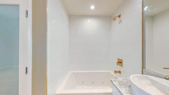Suite-707-1-Bedroom-05012020_184930
